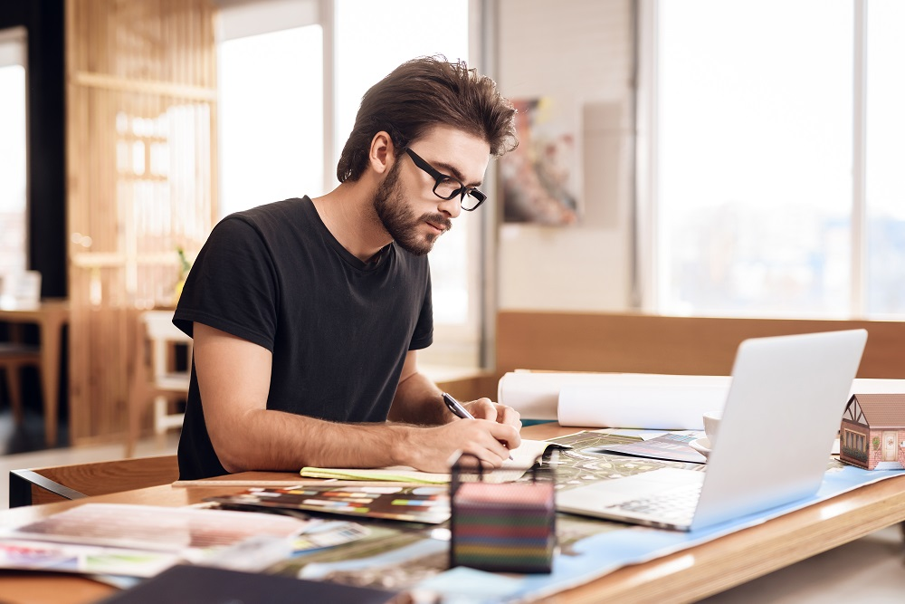 Dicas para parar de procrastinar trabalhando em home office