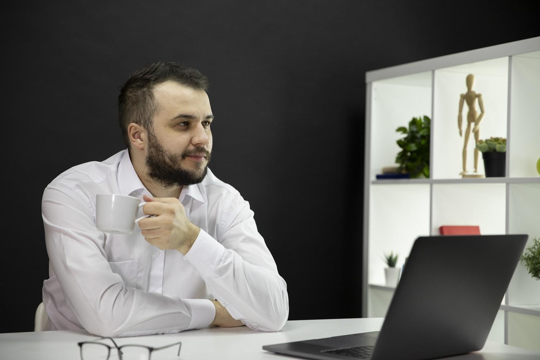 Como trabalhar em casa como um chefe?
